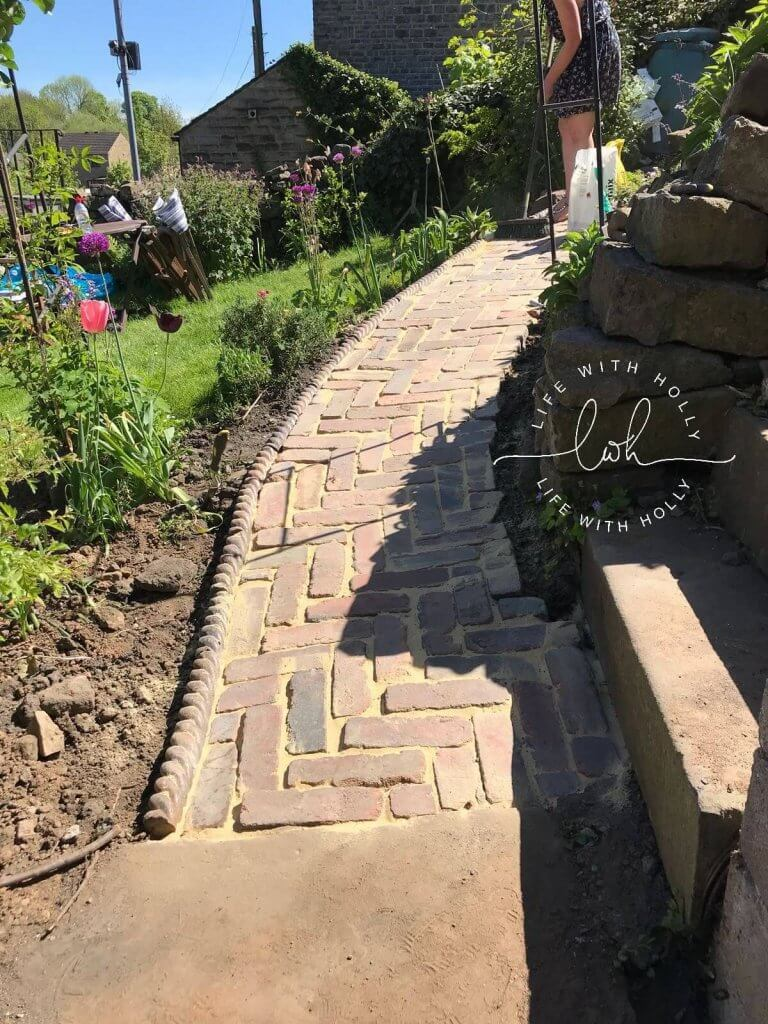 Tutorial - How to Create a Reclaimed Brick Pathway by Life with Holly