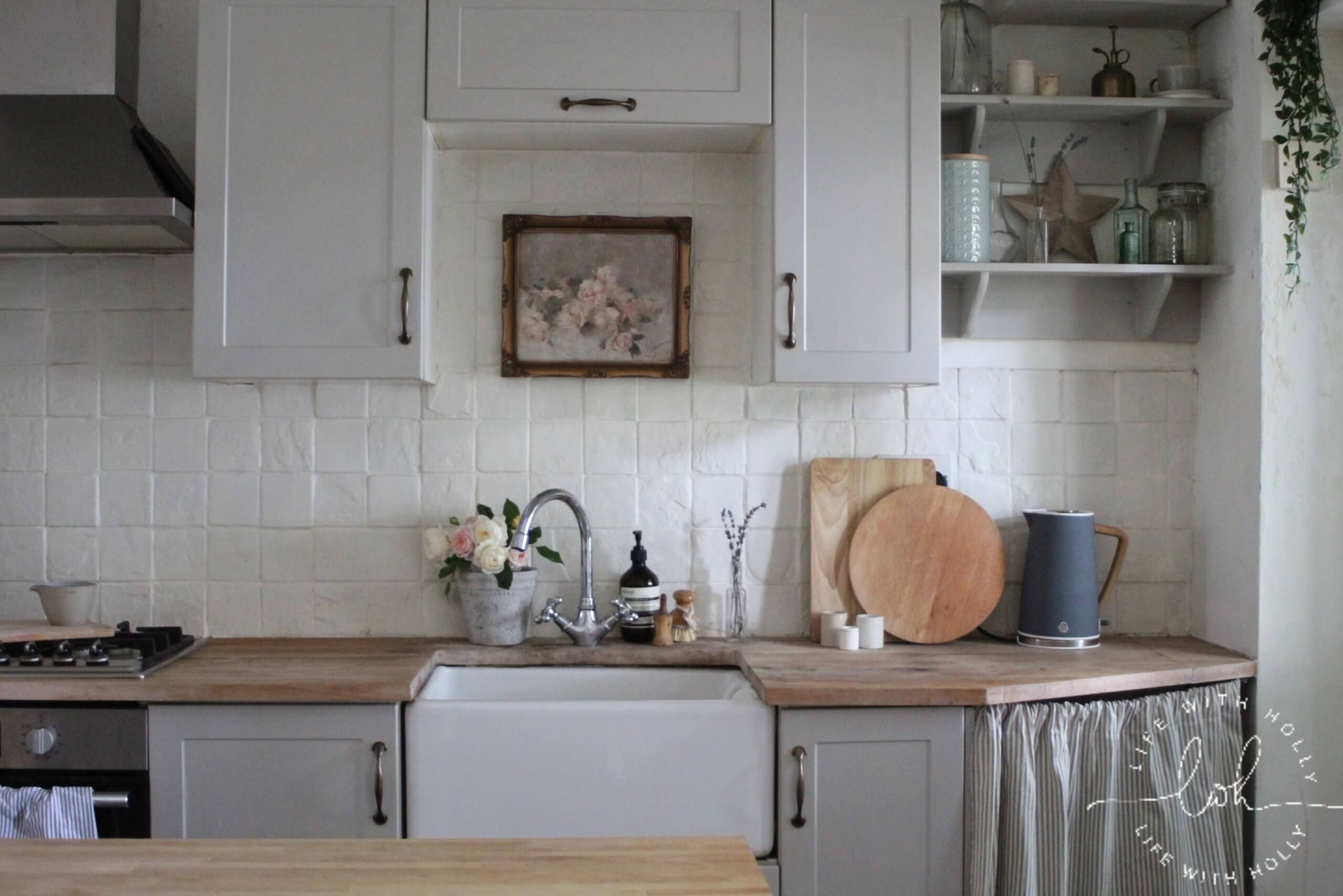 Grey Shaker Kitchen with Wood Worktops - Cheaper Vintage Artwork